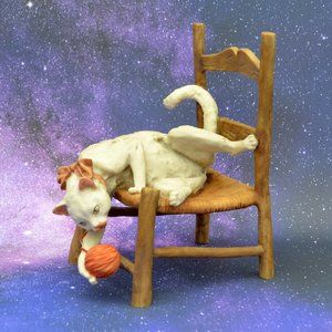Giuseppe Armani Cat on Chair with Yarn Statue